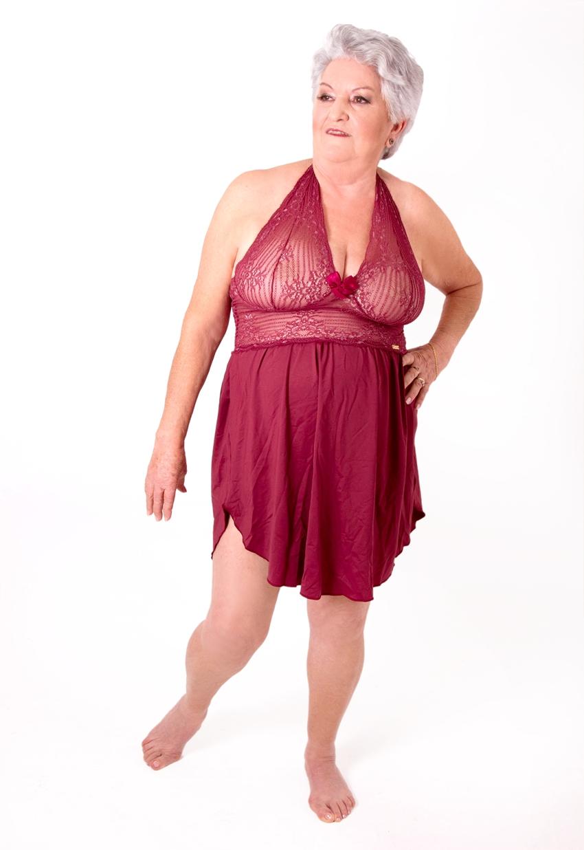 senhora de lingerie 14