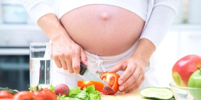 barriga-gravida-gestacao-gestante-saudavel-comida-agua-verduras-legumes-acido-folico-saude-1340732258007_956x500