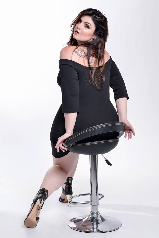 book fashion plus size 6