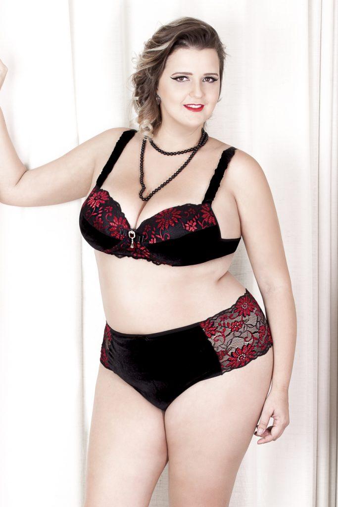 lingerie-de-veludo-plus-size-loja-mulherão-renata-poskus