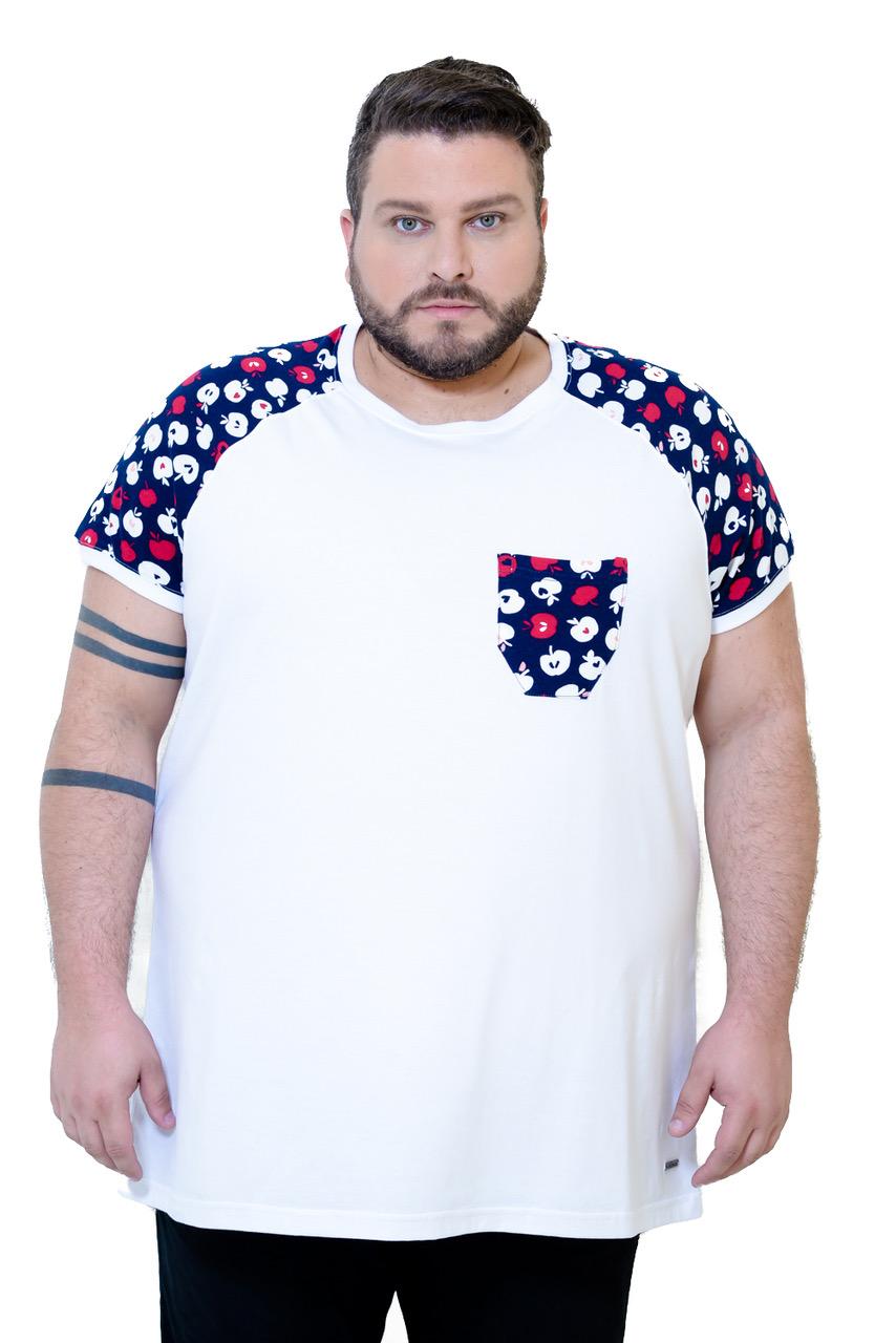 cazaco-camiseta-plus-size-masculina-branca-com-manga-estampada