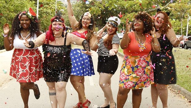 Resultado de imagem para moda plus size para o carnaval