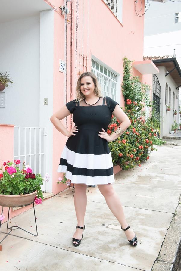 vestido-plus-size-preto-e-branco-4