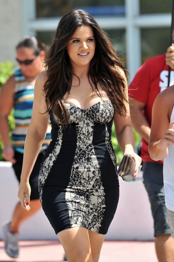 kloe kardashian 4