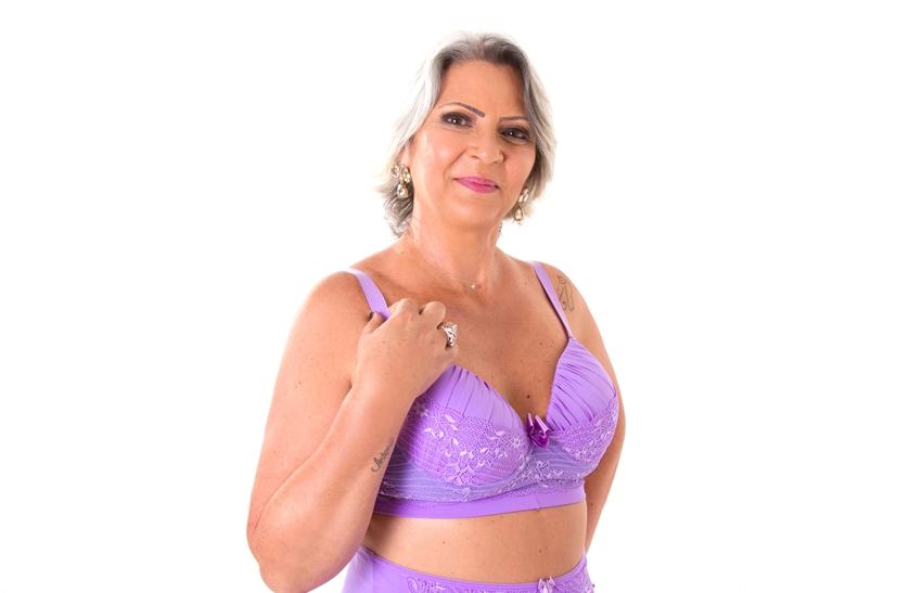 senhora de lingerie 5