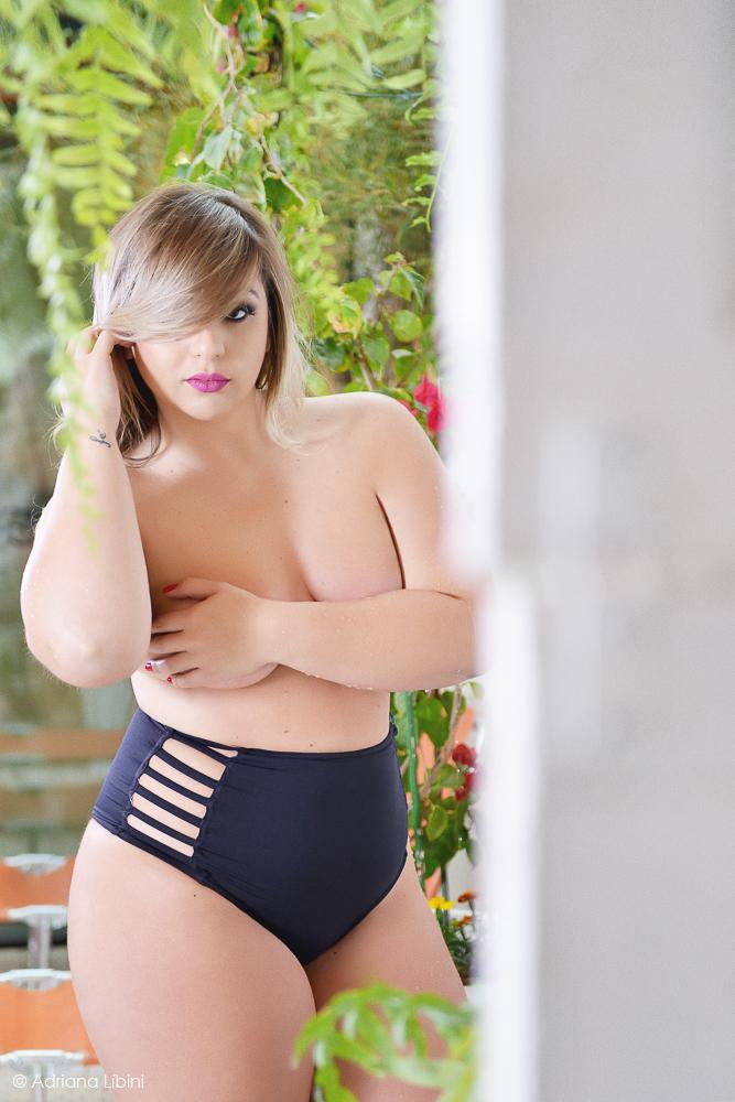 gordinha-top-less-ensaio-sensual-plus-size